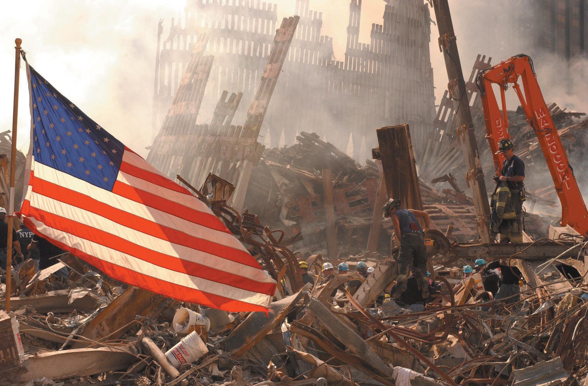 Risultati immagini per september 11 crollo